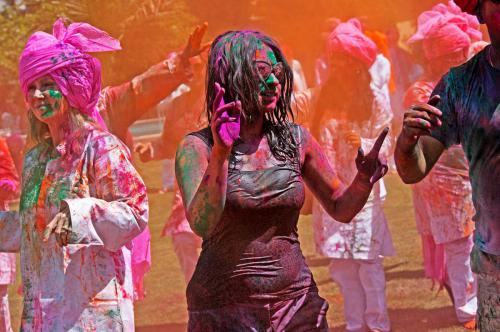 20-C1-2660 Grooving at the Holi Day party